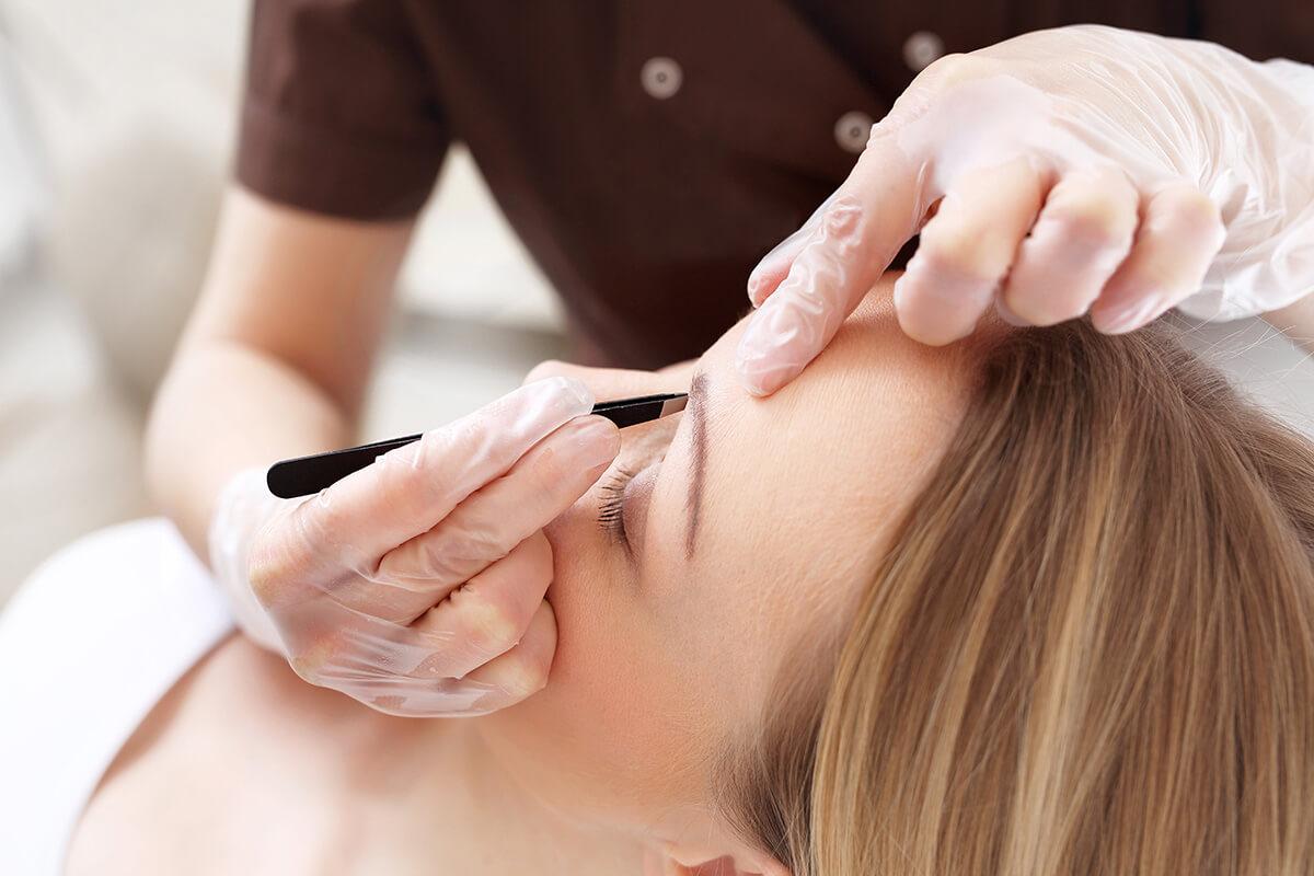 Henna brwi i rzęsy + regulacja - 60 min